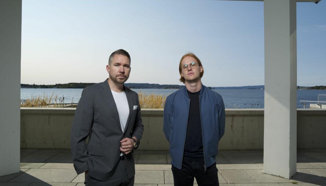 Fra venstre: Erling Løken Andersen og frontend-utvikler i Omega Media, Francois Savard.