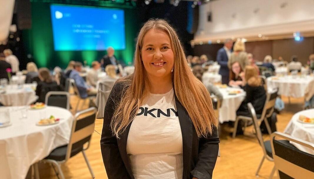 Mariell Sæternes oppfordrer kvinner til å melde seg som foredragsholdere til årets salgskonferanse i Bergen, 17. november.