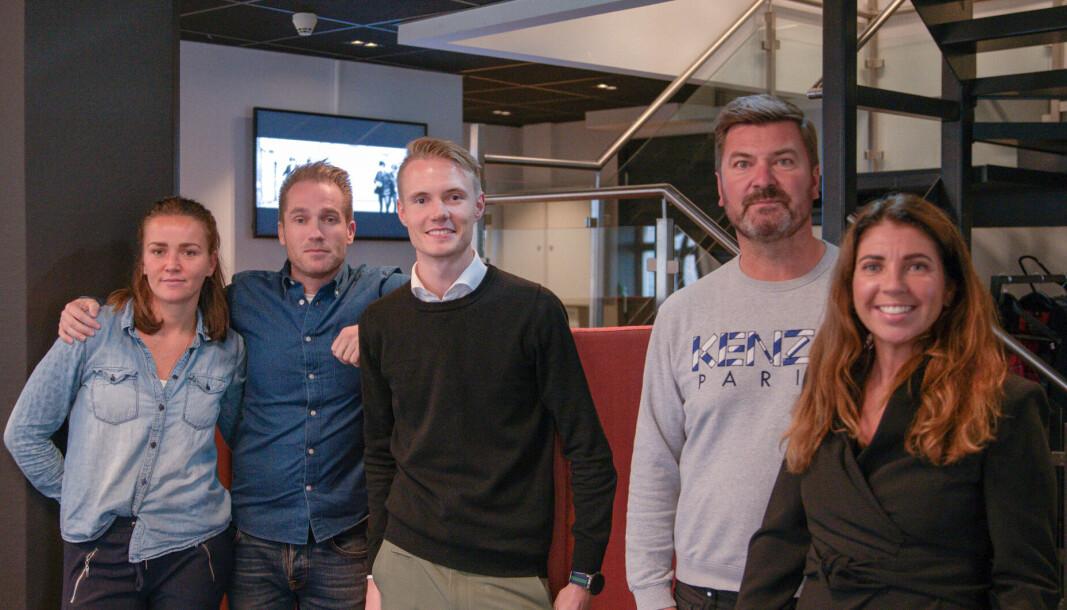 Fra venstre: strategisk kundesjef Tine Tobiassen, strategisk kundesjef Marius Bonnevie, salgskontroller Jakob Sandelin, head of content Svein Mellgren og salgssjef Lise Lillevold.